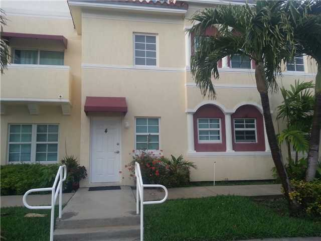 3001 SW 22 Te # TH-4, Miami, FL 33145