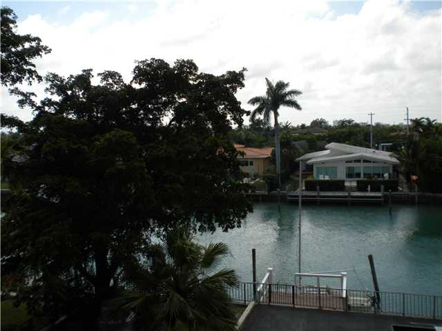 10000 W Bay Harbor Dr # 321, Bay Harbor Islands, FL 33154