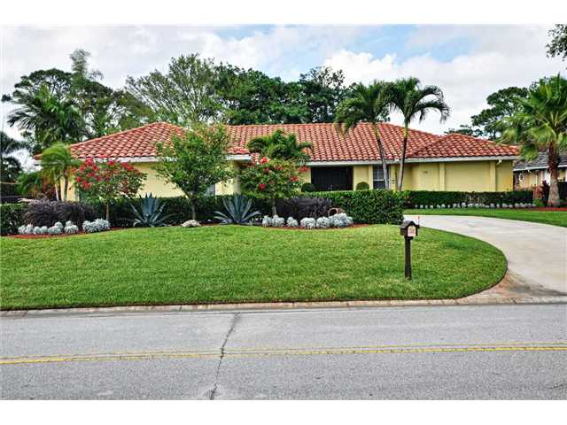 480 Glenbrook Dr, Lake Worth, FL 33462