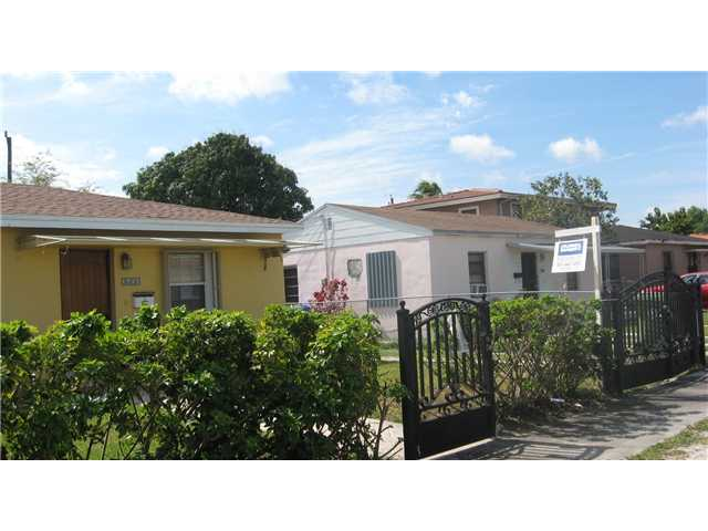 3626 NW 16th St, Miami, FL 33125