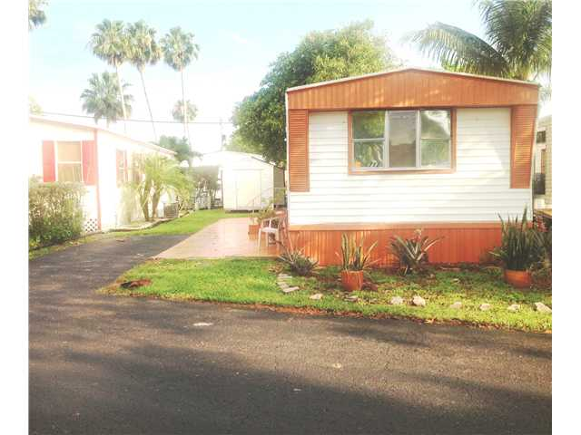 100 NE 6th Ave # 712, Homestead, FL 33030