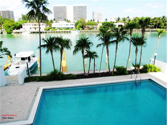 9655 E Bay Harbor Dr # 2S, Bay Harbor Islands, FL 33154