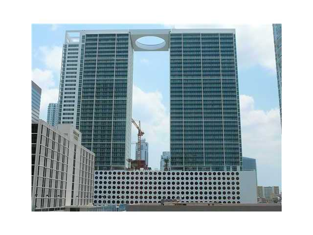500 Brickell Ave # 4001, Miami, FL 33131