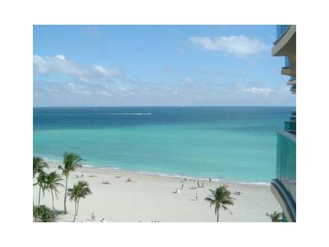 Real Estate for Sale, ListingId: 23335795, Hollywood,FL33019