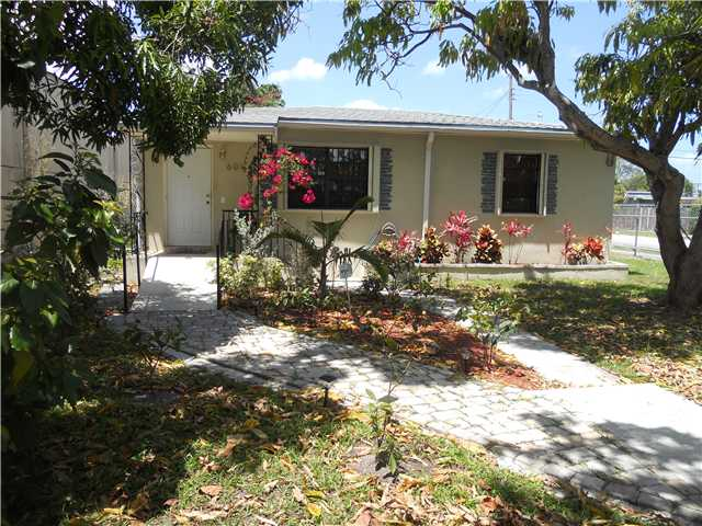 601 NW 116th St, Miami, FL 33168