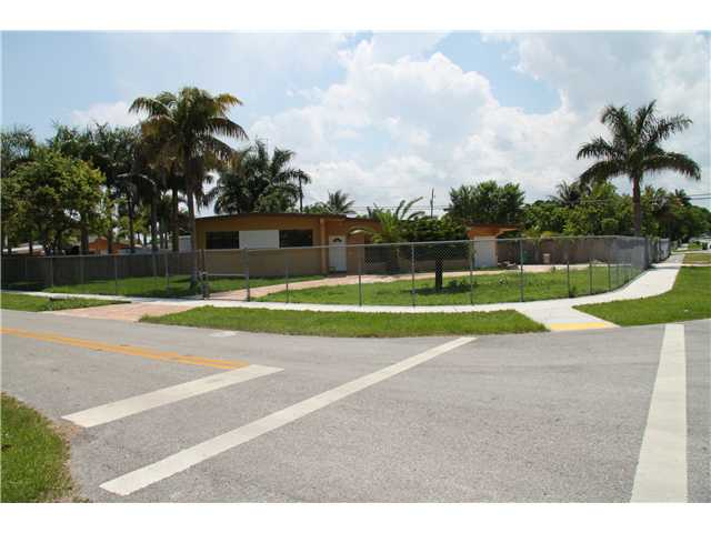 27000 Sw 144th Ct, Homestead, FL 33032