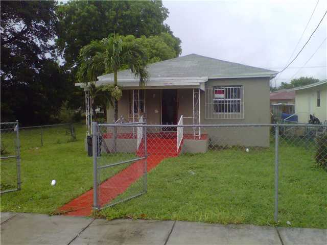 1777 NW 69th St, Miami, FL 33147