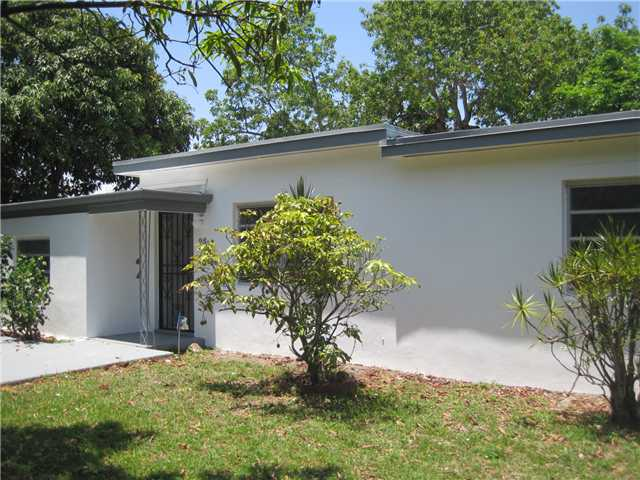 25 Nw 121st St, North Miami, FL 33168