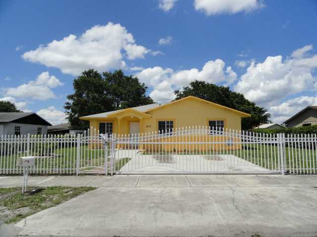 3217 Nw 211th St, Miami Gardens, FL 33056