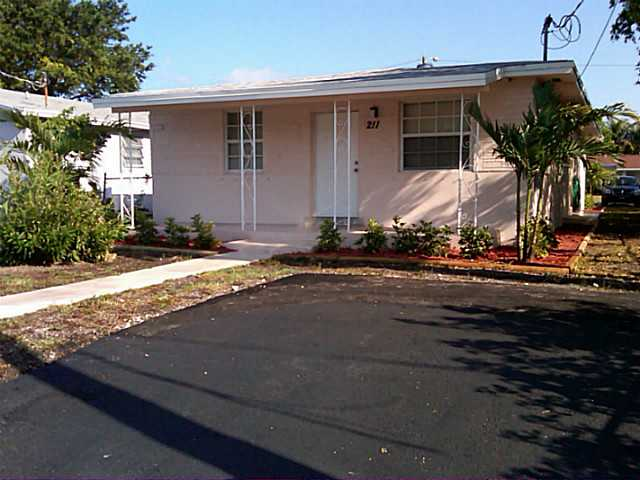 212 Sw 2nd # Te, Dania Beach, FL 33004