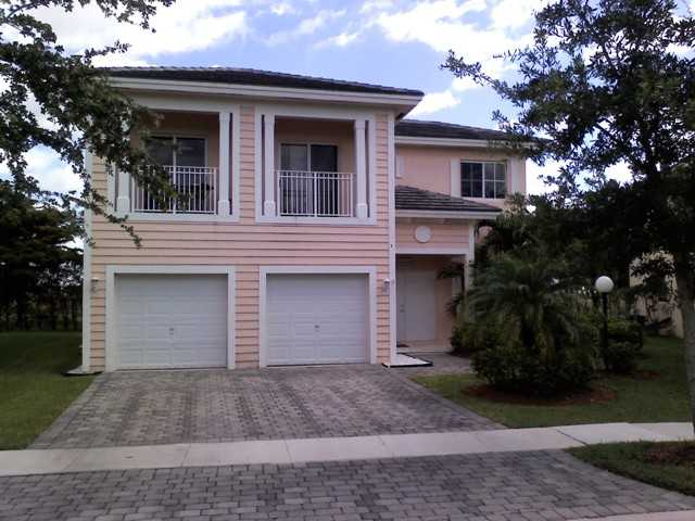 2985 NE 4th St, Homestead, FL 33033