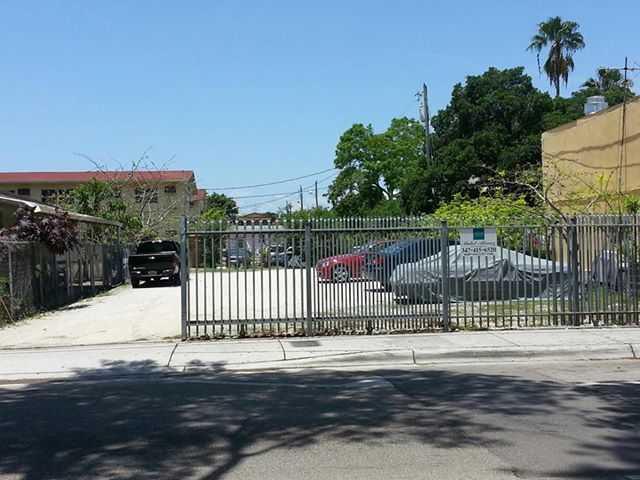 328 SW 8th St, Miami, FL 33130