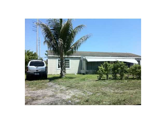 1421 Ne 134th Rd, North Miami, FL 33161