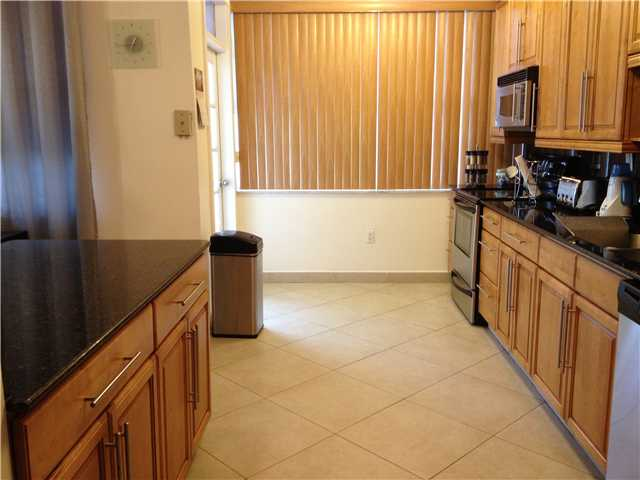 18011 Biscayne Bl # 905-1, North Miami Beach, FL 33160