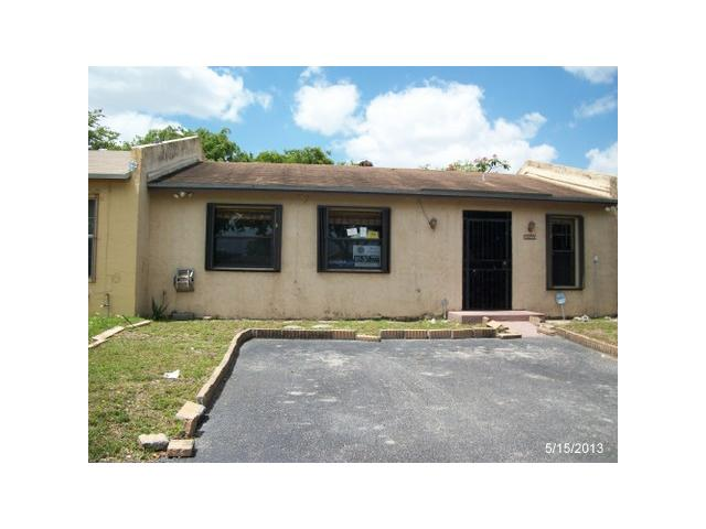 3060 NW 204th Ln, Miami Gardens, FL 33056