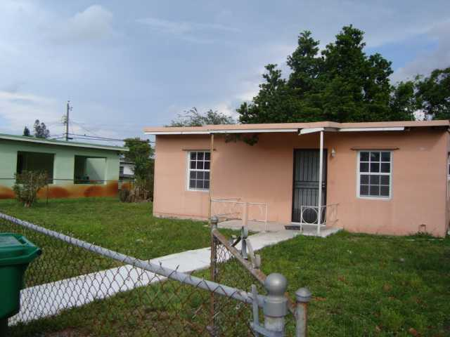 2370 NW 162nd St, Opa-Locka, FL 33054