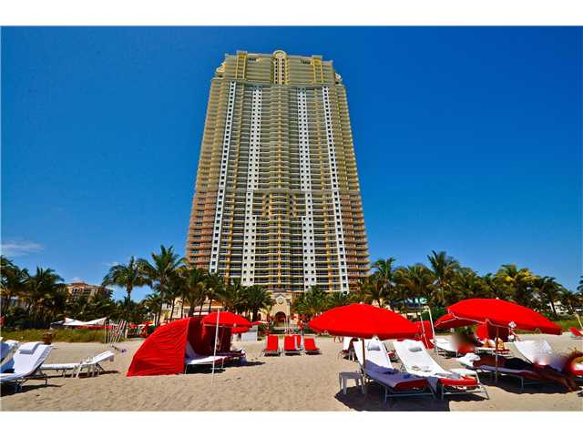 17885 Collins Ave # 901, North Miami Beach, FL 33160