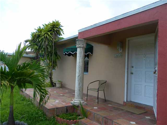 1050 Nw 30th Ct, Miami, FL 33125