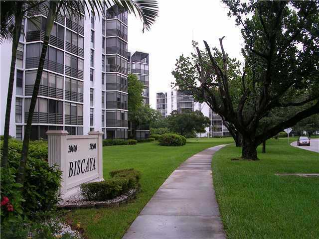 20500 W Country Club Dr # 407, Aventura, FL 33180