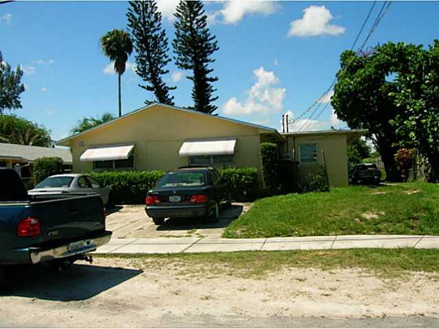 1381 NE 144th St, Miami, FL 33161