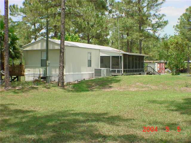 1055 Sweetwater Ave, Clewiston, FL 33440
