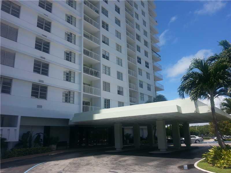 500 Bayview Dr # 428, Sunny Isles Beach, FL 33160