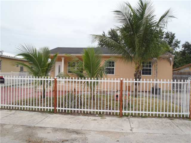 8945 NW 33rd Ct, Miami, FL 33147