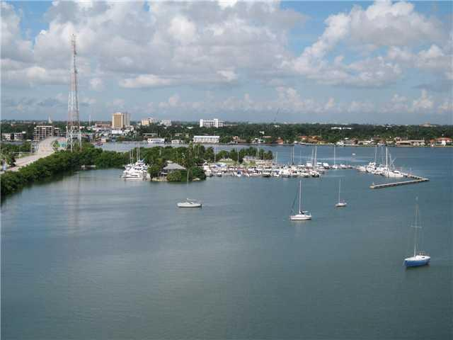 Rental Homes for Rent, ListingId:33323130, location: 7904 WEST DR North Bay Village 33141