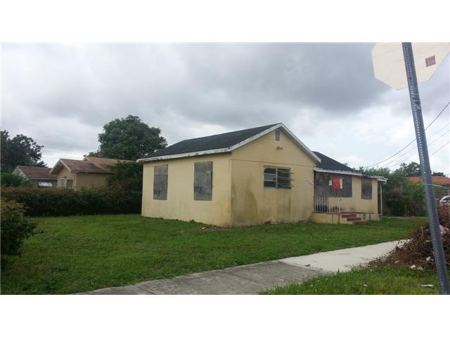 2110 NW 59th St, Miami, FL 33142