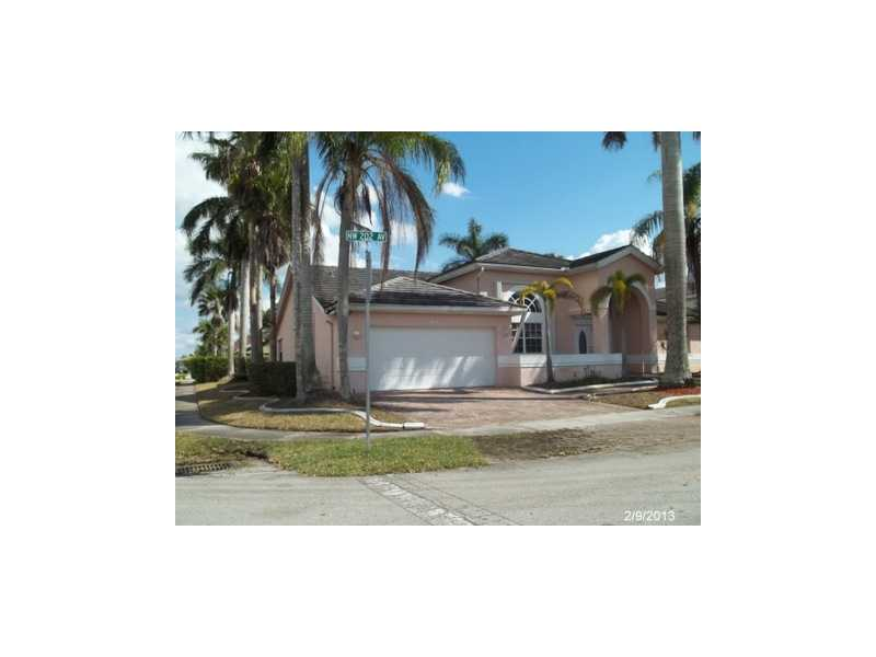 965 Nw 202nd Ave, Pembroke Pines, FL 33029