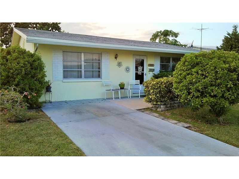 5713 Nw 66th Ave, Tamarac, FL 33321