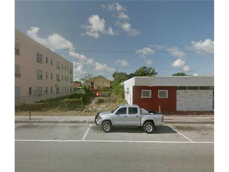 1930 Sw 1st St, Miami, FL 33135
