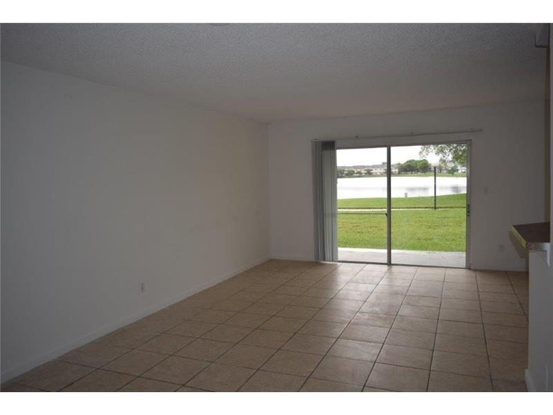 3449 NW 44th St, Lauderdale Lakes, FL 33309