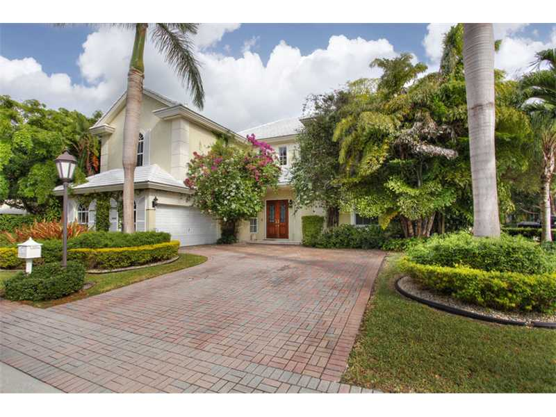 34 Grand Bay Estates Cir, Key Biscayne, FL 33149