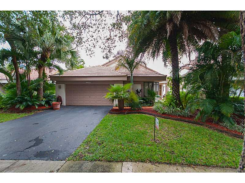 9821 Nw 18th Mnr, Plantation, FL 33322