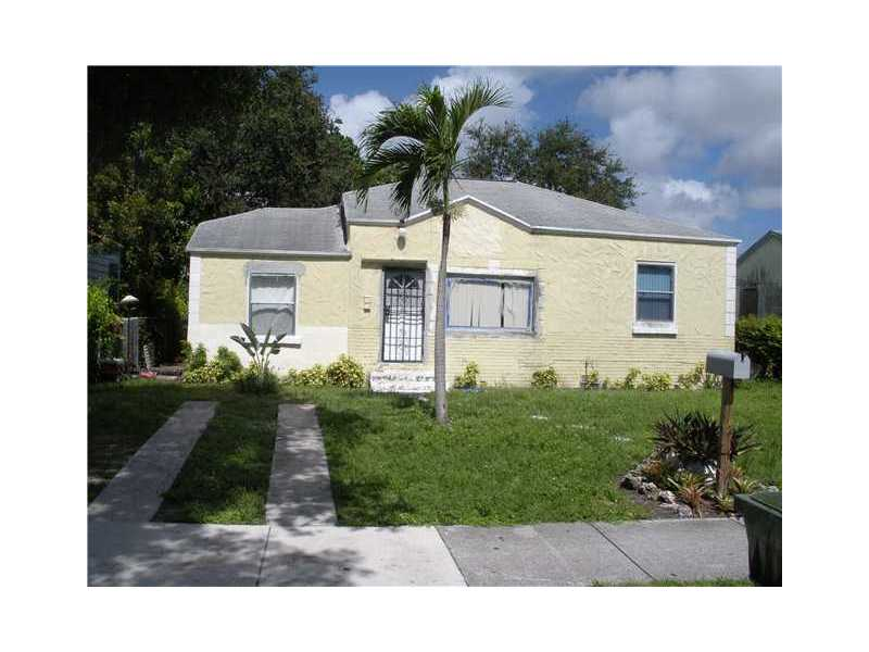 827 NW 64th St, Miami, FL 33150
