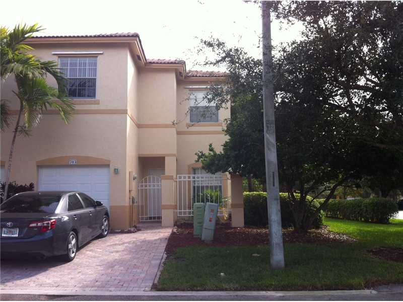 703 Nw 170th # Te, Pembroke Pines, FL 33028