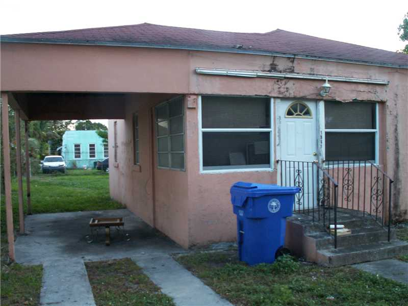 1868 NW 49th St, Miami, FL 33142