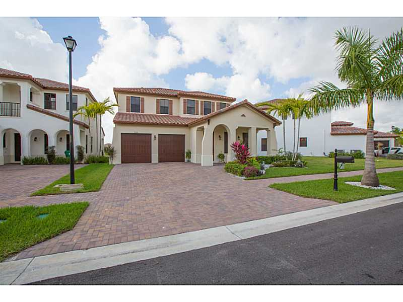 2740 NW 83rd # TE, Hollywood, FL 33024