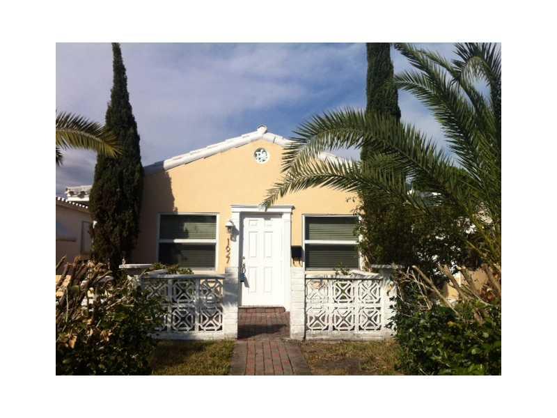 1627 Moffett St, Hollywood, FL 33020