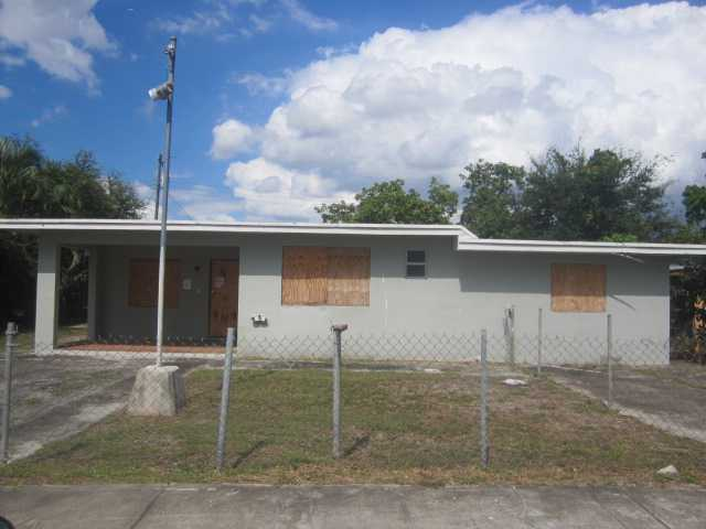1121 NW 139th St, Miami, FL 33168