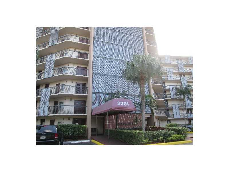 3301 N Country Club Dr # 210, Miami, FL 33180