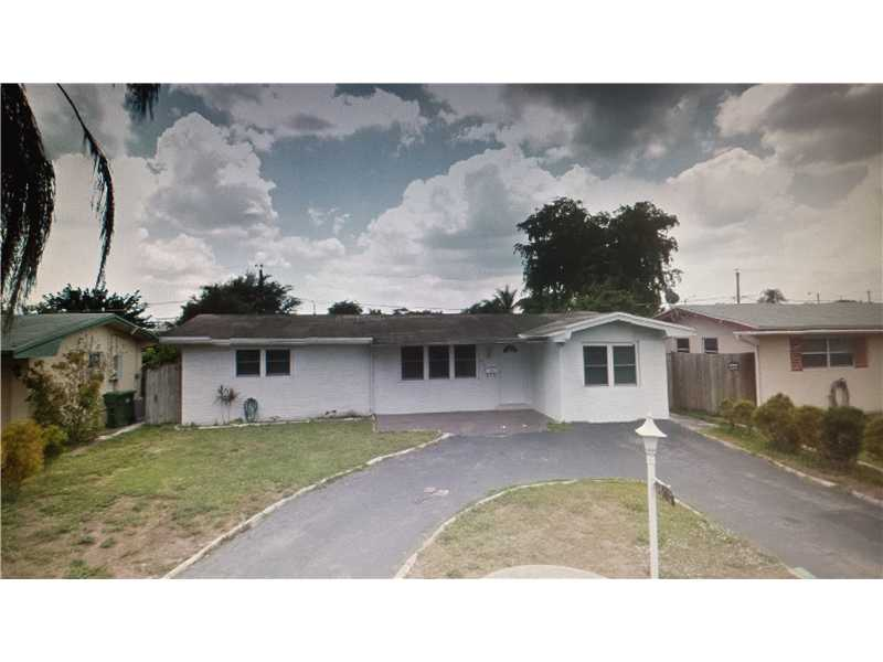 8820 Nw 10th St, Pembroke Pines, FL 33024