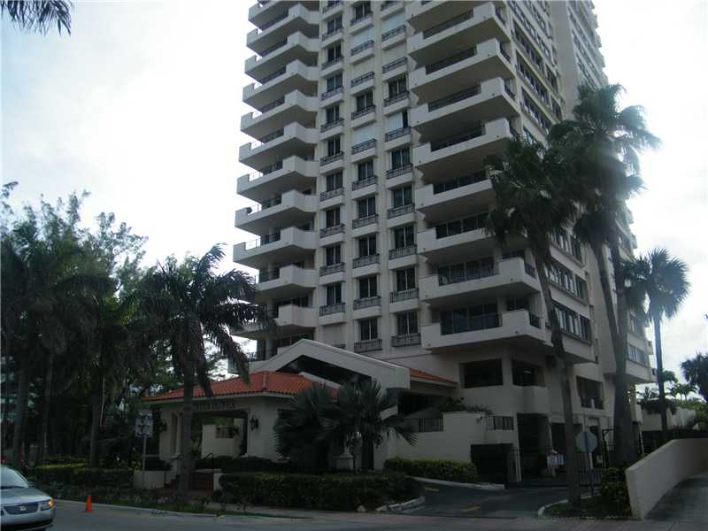 6422 Collins Ave # 303, Miami Beach, FL 33141