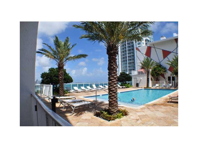 133 NE 2 Ave # 819, Miami, FL 33132