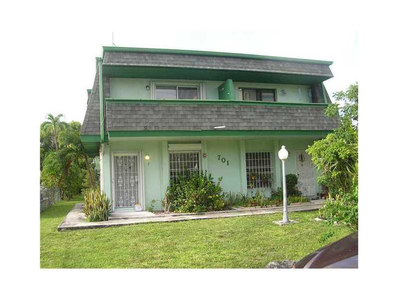 701 S Royal Poinciana Bl # 4, Miami, FL 33166