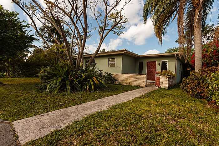 10642 Ne 10th Pl, Miami Shores, FL 33138