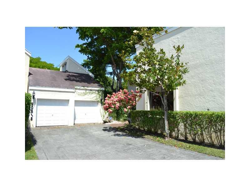 20215 W Oak Haven Cir, Miami, FL 33179