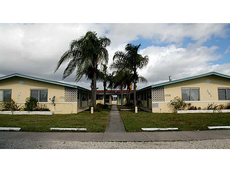 1701 Ne 148th St, Miami, FL 33181