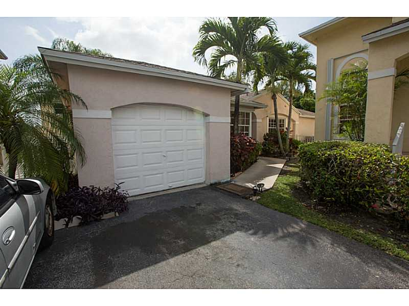 12012 Nw 13th St, Pembroke Pines, FL 33026
